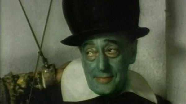 """Iago interpretato da Totò in """"Che cosa sono le nuvole?"""" di P.P.Pasolini"""
